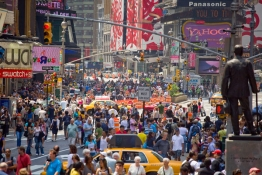 new-york-street-pedestrians