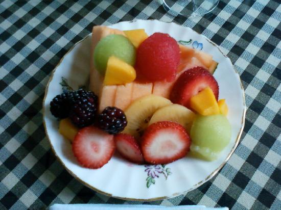 fresh-fruit-plate