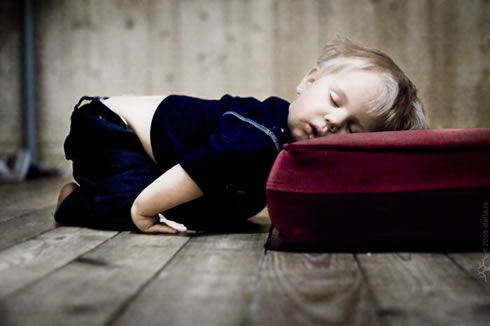 20090309-worn-out-child